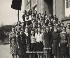 JG 1924 Mädchenschule Schweinheim