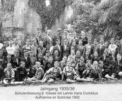 JG 1935/36 Schulentlassung 1950 mit Lehrer Cornelius