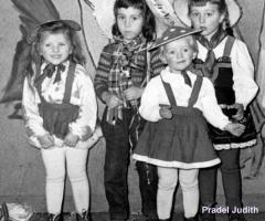 Kinder Völker, Pradel, Jahnel Hensbachstr 1960 (1)