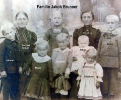 Brunner Jakob Familienbild ca  1930