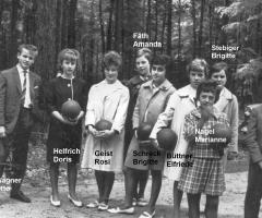 Helfrich Doris Gruppenbild 1956