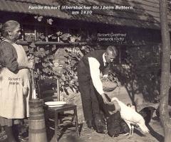 Rickert Gottfried und Maria beim Buttern 1930