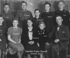 Staudt Franz mit Familie 1944
