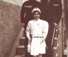 Wyremba Karl mit Familie und Kommunionkind Waltraud 1951