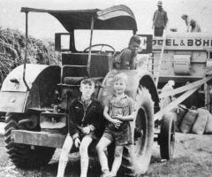 Bauern beim Dreschen