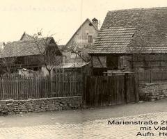 Marienstr 29 Anwesen Bachmann mit Viehwaage um 1956