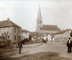 Marienstr Dorfplatz um1910