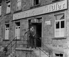 Adler mit Richard und Josef Höflich 1935